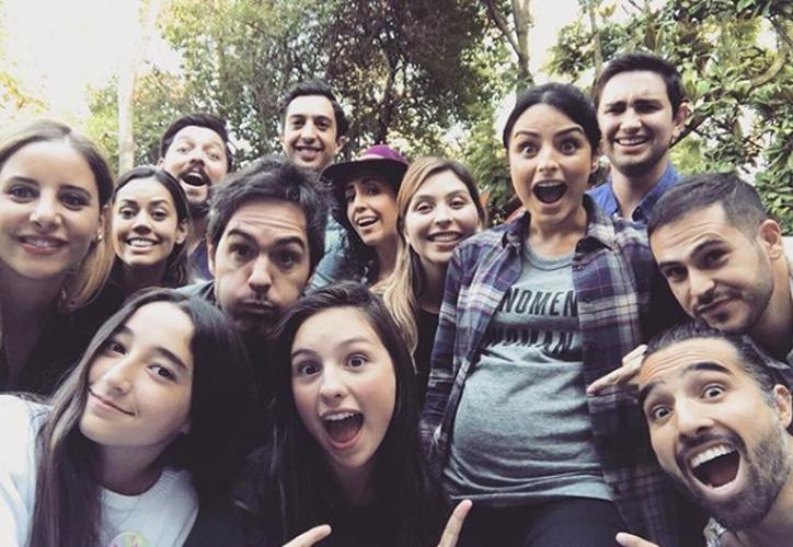 La actriz y su esposo disfrutaron del festejo con sus amigos y la hija de Ochman. (Foto: Instagram)