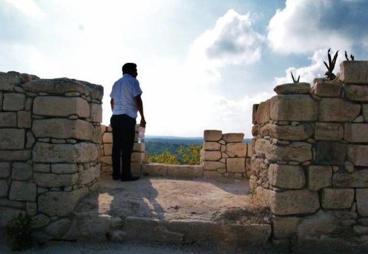 El ejido Bacalar continúa insistiendo en que el INAH retome los trabajos de restauración de la zona arqueológica de Ichkcabal. (Archivo/SIPSE)