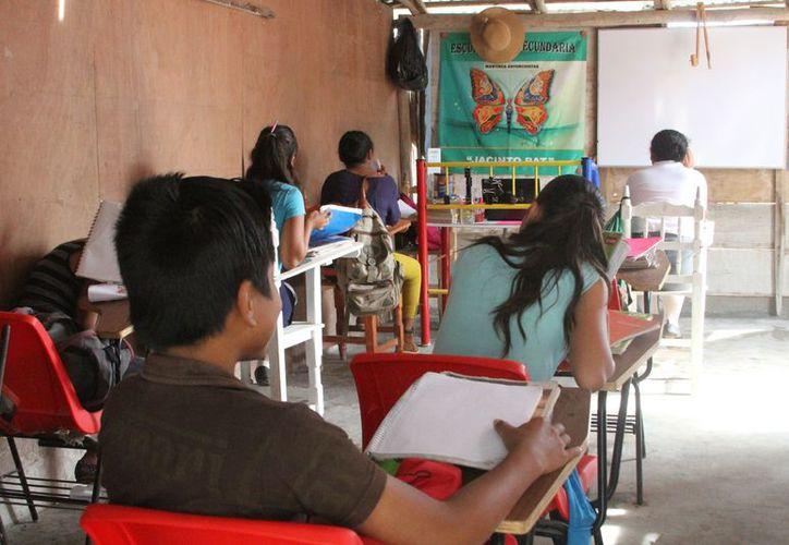 Los casi 400 estudiantes están distribuidos en preescolar, primaria y secundaria. (Joel Zamora/SIPSE)