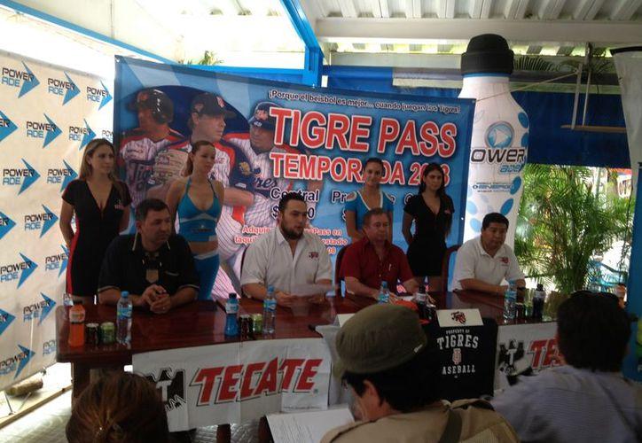 En la conferencia estuvieron presentes Amador Gutiérrez, Francisco Villanueva, Mario Valenzuela y David Velez. (Raúl Caballero/SIPSE)