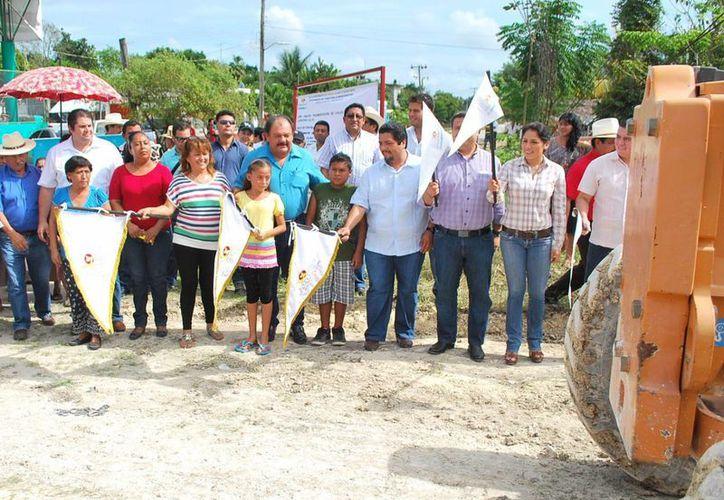 Se invierten dos millones de pesos en los trabajos de infraestructura vial. (Cortesía/SIPSE)