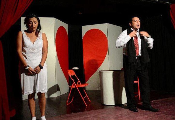 La Pareja Abierta, original de Darío Fo y Franca Rame, se presentó en el Teatro Xbalamqué. (Redacción/SIPSE)