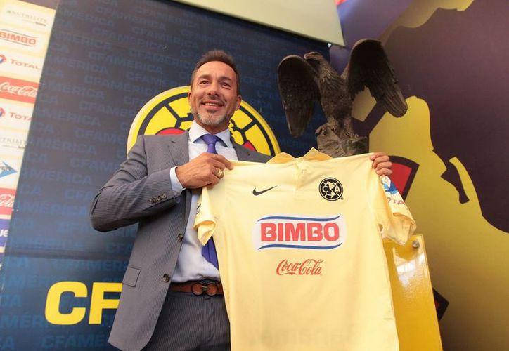 Gustavo Matosas es apenas el tercer uruguayo que llega al América para dirigirlo. (Notimex)