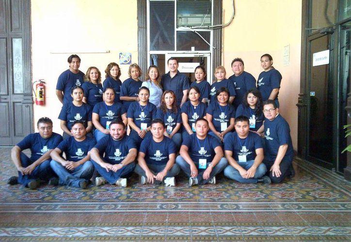 Fue presentado el equipo que participara en el registro de becas municipales. (SIPSE)