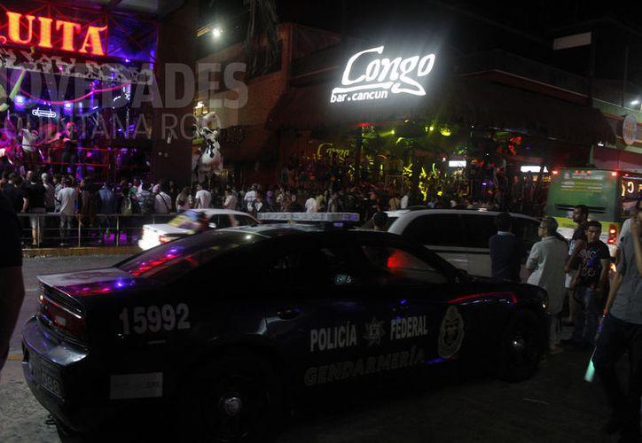Mantienen la seguridad en la zona de discotecas, ante la llegada de los springbreakers. (Foto: Israel Leal)