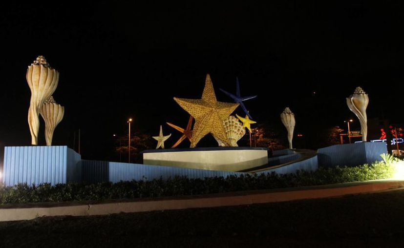 Las dependencias gubernamentales que participen deberán apagar las luces no esenciales, incluyendo aquellos monumentos emblemáticos. (Israel Leal/SIPSE)