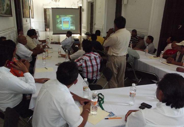 En la reunión se dejó en claro que es tan importante la labor informativa de la Conagua como el trabajo preventivo de las autoridades. (Cortesía)