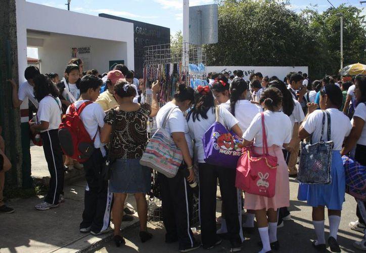 El Programa de Prevención del Delito no pudo ingresar a las secundarias capitalinas durante 2013. (Harold Alcocer/SIPSE)