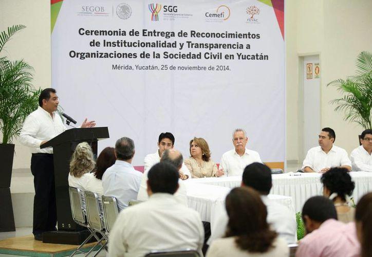 Caballero Durán destacó la importancia del trabajo que realizan las organizaciones civiles yucatecas. (Cortesía)