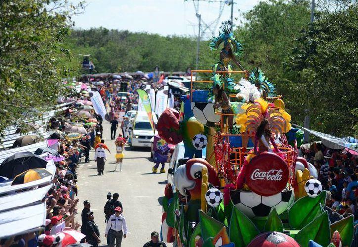 Comerciantes ven como positivo el traslado del paseo del Carnaval a Xmatkuil. (Luis Pérez/SIPSE)
