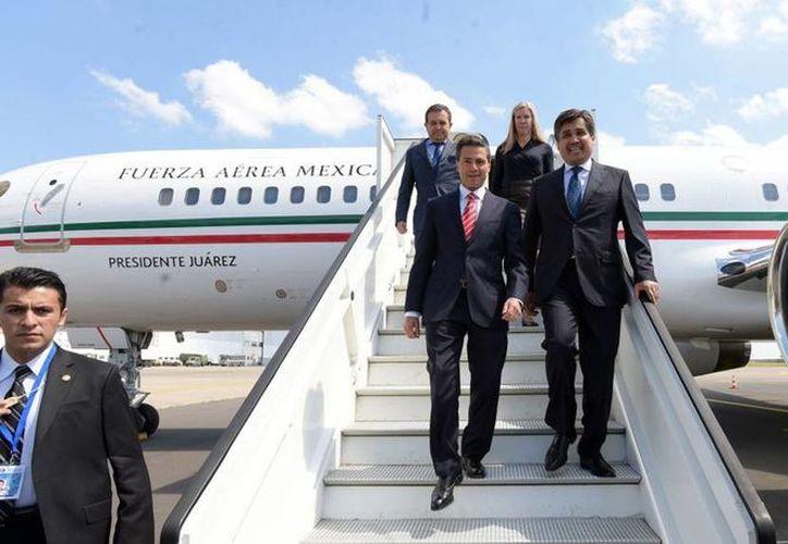 Imagen del arribo de Enrique Peña Nieto al Aeropuerto Internacional de Bruselas, terminal militar Melsbroek. El Presidente acudió a la Cumbre Celac-UE. (presidencia.gob.mx)