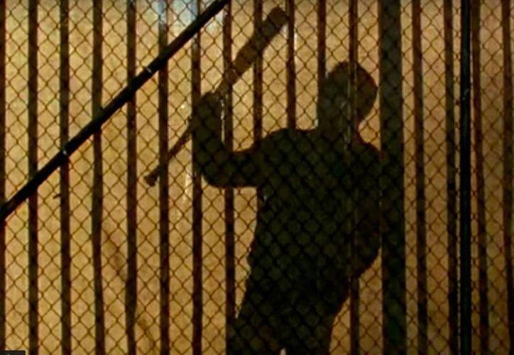 Negan llegar a Alexandria para enfrentar nuevamente a Rick. El capítulo 4 de la afamada serie The Walking Dead, producida por AMC, y transmitida por Fox, será más largo. (Captura de pantalla/YouTube-Fox1)