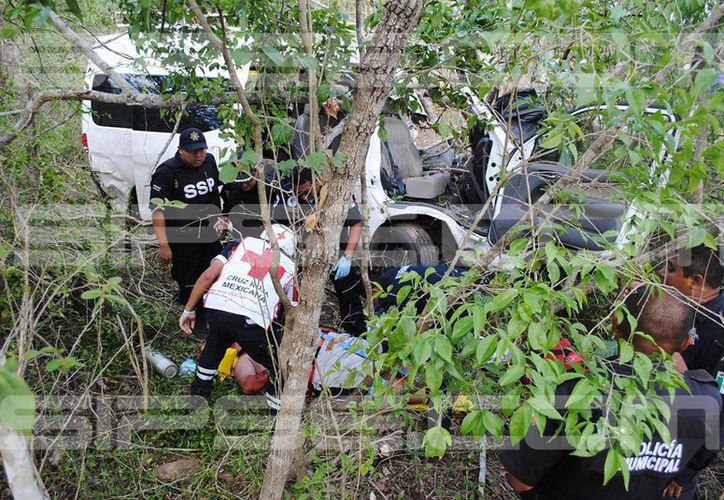 13 pasajeros sobrevivieron al fuerte choque. (Isauro Chi/ SIPSE)