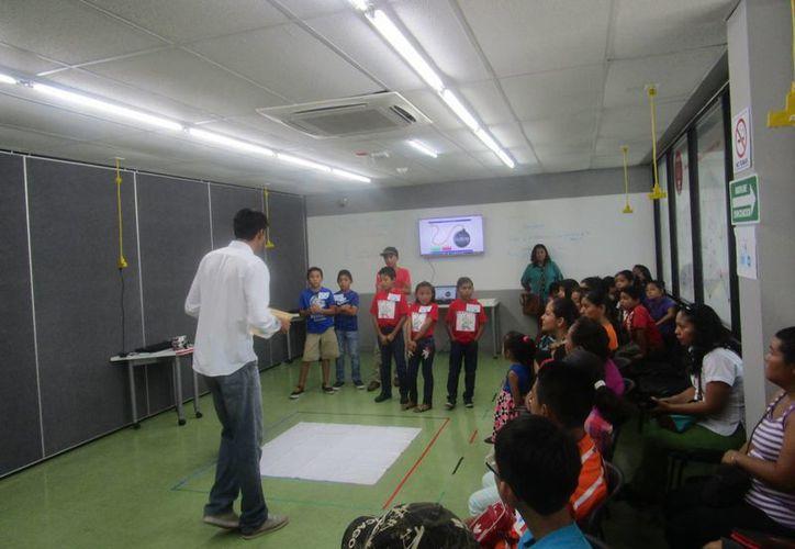 La eliminatoria estatal se efectuó en las instalaciones del Centro Punto México Conectado. (Pedro Olive/SIPSE)