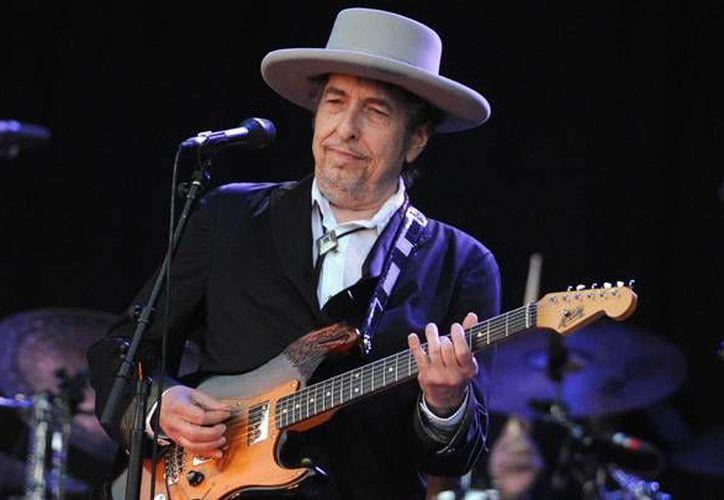 La leyenda musical, Bob Dylan, estaría preparando su nuevo material discográfico aunque no se han dado detalles del mismo. (Archivo AP)