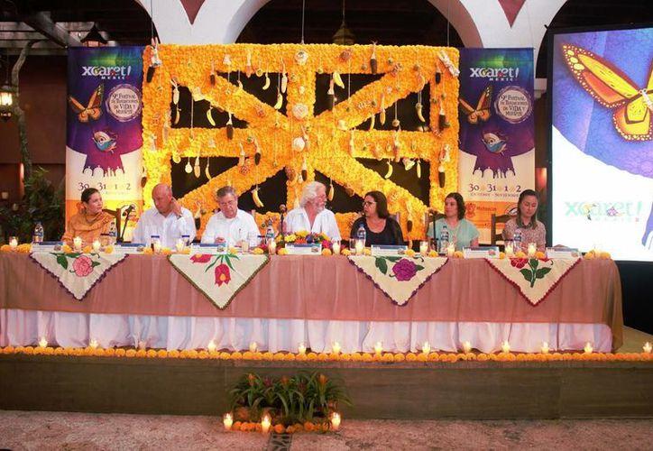 La novena edición del festival tiene como invitado especial a Michoacán, reconocido por preservar la celebración purépecha original. (Luis Ballesteros/SIPSE)