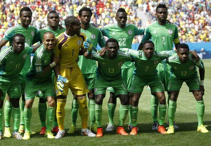 Nigeria viene de ser eliminada en octavos de final del Mundial de Brasil. (EFE)