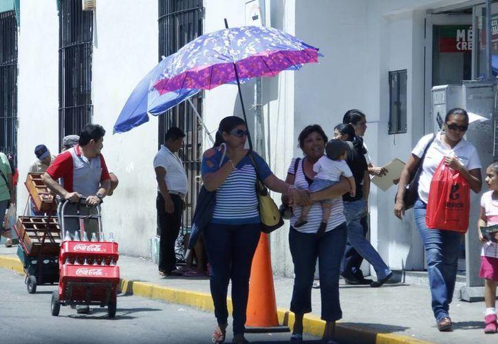 El calor se mantendrá durante este fin de semana en la región. (Juan Carlos Albornoz/SIPSE)
