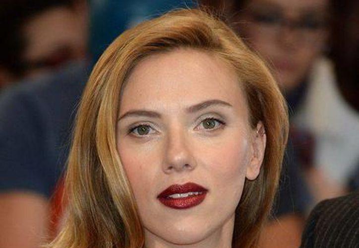 Scarlet Johansson se indignó porque una novela le atribuía relaciones sexuales que nunca existieron. (mirror.co.uk)