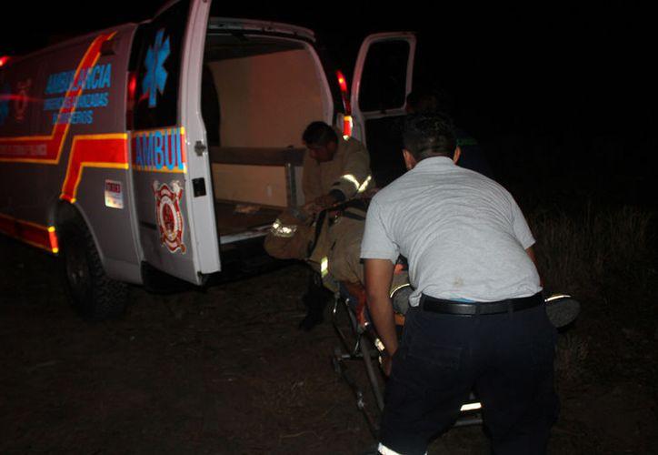 Uno de sus compañeros pidió ayuda para que le manden una ambulancia de la Unidad de Respuesta a Emergencias Médicas (UREM). (Redacción/SIPSE).