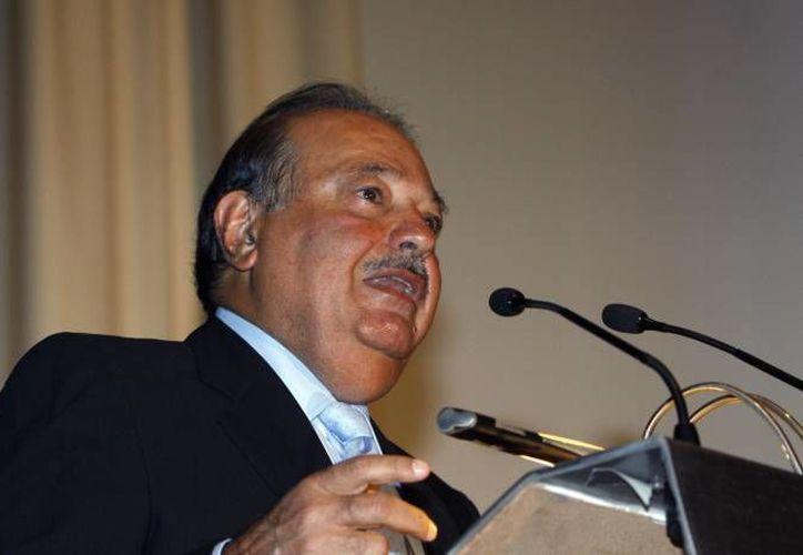 La rentabilidad proviene de la productividad, la eficiencia, la gestión y la austeridad, dijo el multimillonario Carlos Slim. (Archivo Agencias)
