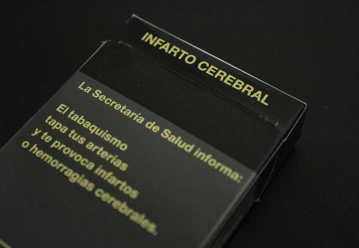 La publicidad actual en las cajetillas de cigarrillos. (Sergio Orozco/SIPSE)
