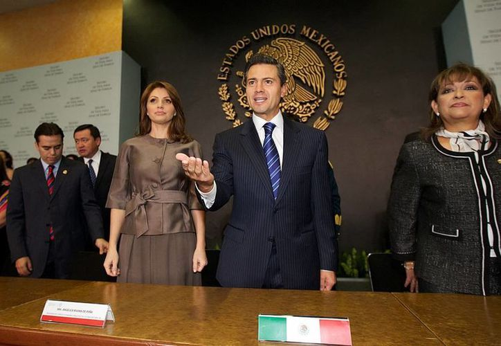"""Día importante para el mundo, se da el anuncio del nuevo Papa"""", tuiteó el presidente de México, Enrique Peña Nieto. (NTX)"""