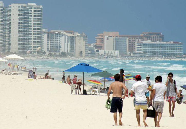 El pasado domingo fue el más concurrido en las playas. (Jesús Tijerina/SIPSE)
