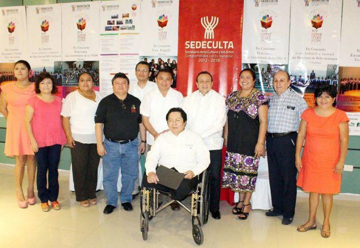 Imagen del evento donde anunciaron las actividades del festival de conjuntos corales en Mérida. (Milenio Novedades)