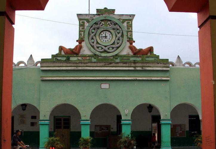El municipio de Oxkutzcab promueve la apertura de un centro comercial. (Milenio Novedades)