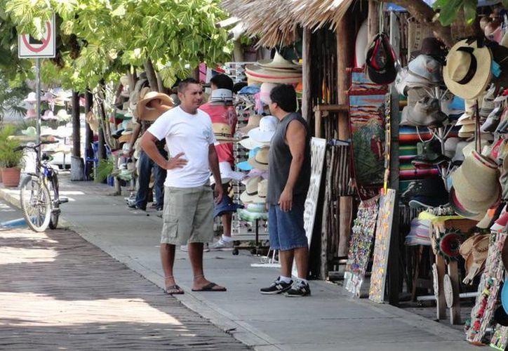 El año pasado fue mejor para los pequeños empresarios, que reportan poca presencia de turistas nacionales y extranjeros. (Rossy López/SIPSE)