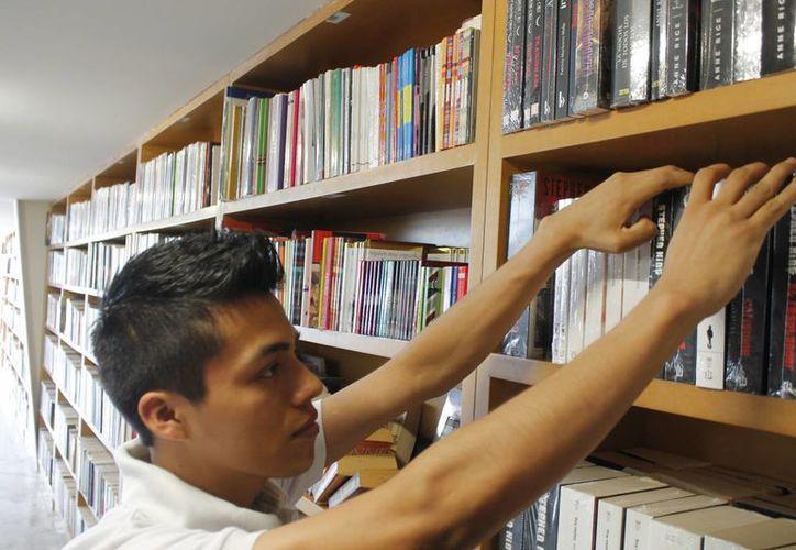 Buscan aumentar la cantidad de libros leídos al año. (Jesús Tijerina/SIPSE)