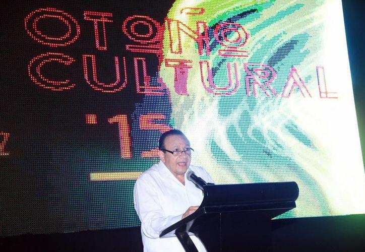 El titular de la Secretaría de la Cultural y las Artes, Roger Metri Duarte, presentó el programa del Festival de las artes, ante artistas y representantes de la comunidad cultural del estado. (SIPSE)