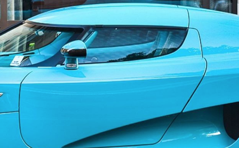 Choca auto de 30 millones de pesos en la CDMX