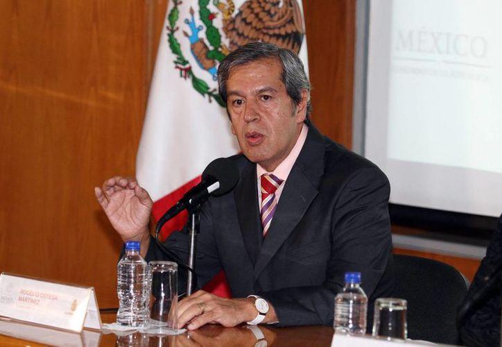 El gobernador interino de Guerrero, Rogelio Ortega, calificó como un 'absurdo' las acciones de violencia que se generan en torno a las protestas por los normalistas desaparecidos. (Archivo/Notimex)