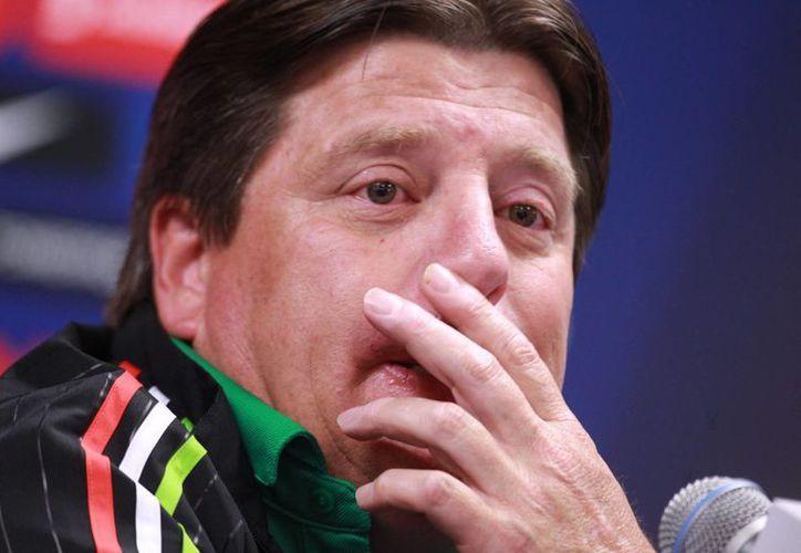 Miguel Herrera causó polémica por unos tuits que publicó a favor del Partido Verde en pleno periodo de veda electoral. (Archivo/Notimex)
