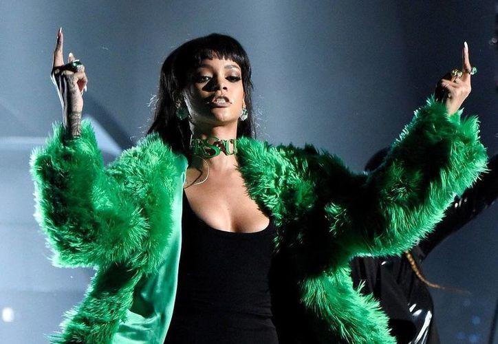 El tema 'Bitch Better Have My Money' pertenece al nuevo álbum de Rihanna titulado FourFiveSeconds. (swarvemen.com)