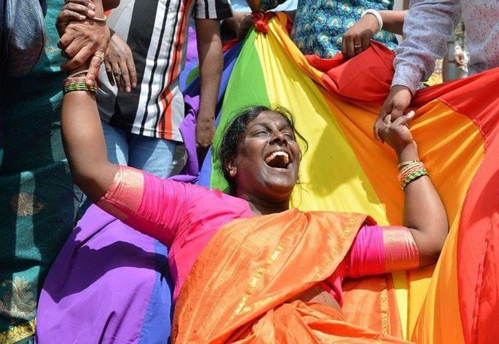 Las leyes del país asiático castigaban con diez años de prisión las relaciones entre personas del mismo sexo. (Milenio)