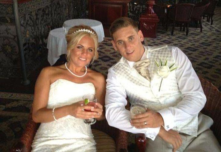 Martin Lonsdale llegó con novia para contraer matrimonio en este destino turístico. (Redacción/SIPSE)