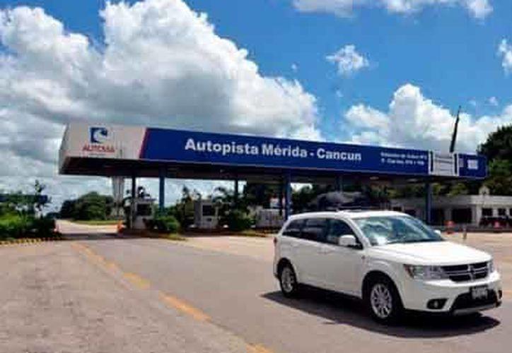 Los nuevos precios de la tarifa en la autopista Mérida-Cancún, se aplicarán desde hoy. (freeweblog.tk )