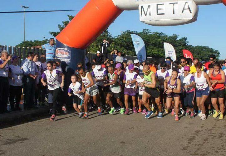 La salida y meta de la carrera fue en el Centro Teletón que está en el norte del Periférico de Mérida. (Milenio Novedades)