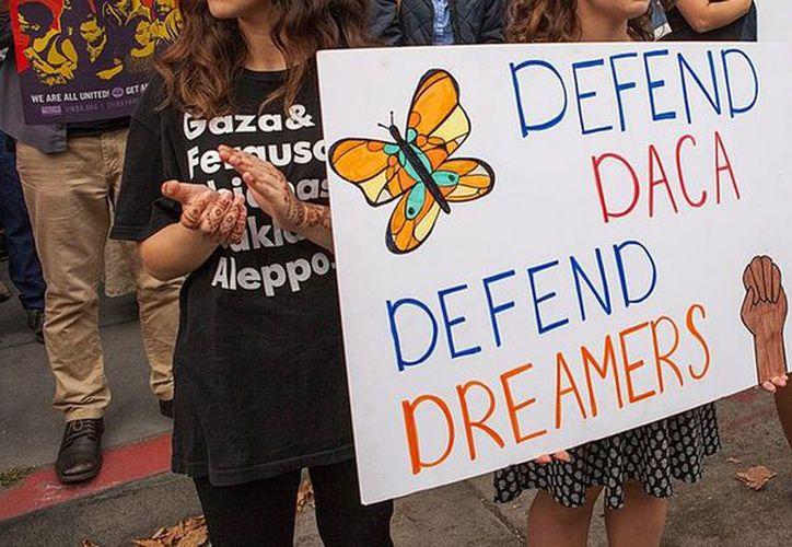 """Los """"dreamers"""" recorrieron caminando seis estados de la costa este del país. (@Diariodemexusa)"""