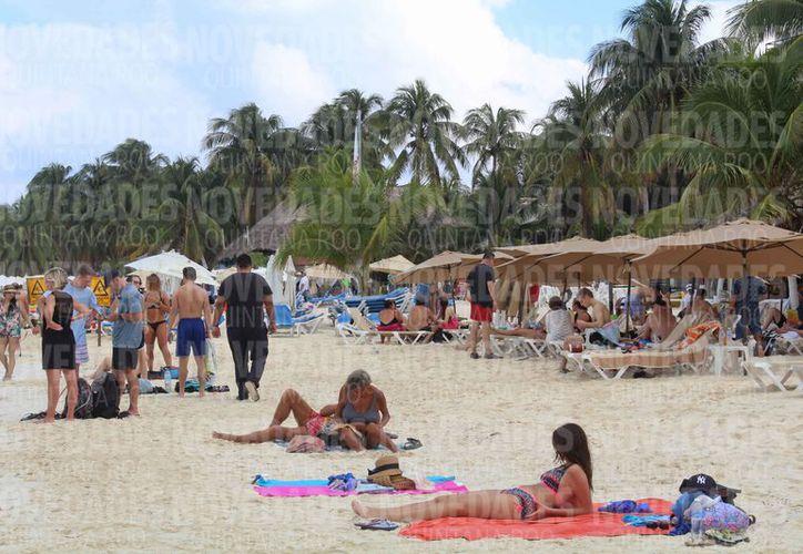 Las alertas reducen el número de visitantes en los destinos turísticos. (Ivette Ycos/SIPSE)