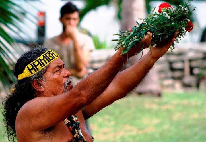 El sacerdote maya Luis Nah encabezará la ceremonia maya del inicio de la primavera.   (Octavio Martínez/SIPSE)