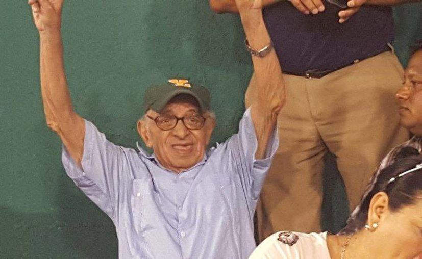 'Miguelito, el rey de los pastelitos' es ícono de la cultura popular de Yucatán, e incluso su famoso canto fue conocido fuera del estado con diversos reportajes en medios internacionales. (Imagen del portal peninsuladeportiva.com)