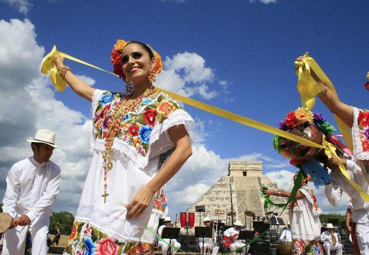 El folclor de Yucatán es uno de los atractivos turísticos y culturales que estará presente en el Festival de la Cultura Maya. (Imagen de contexto/Facebook)