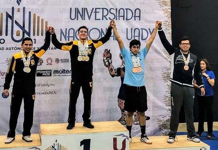 Cosechó muy buenos resultados en Mérida en la disciplina de bádminton. (Pulso)