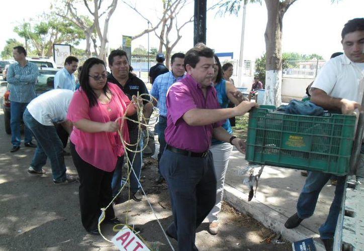 Esta mañana fueron retirados los últimos escombros de las calles que rodean al parque de la colonia Melitón Salazar. (SIPSE)