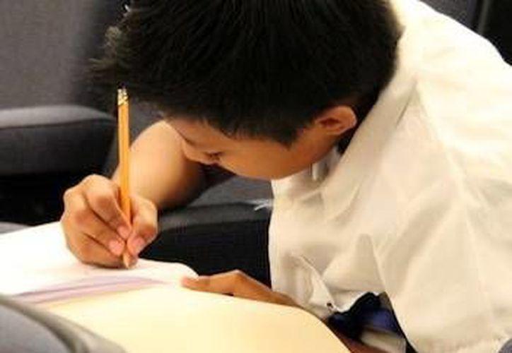 Este es uno de los alumnos de secundaria que han entrenado a fondo durante varias semanas. (Milenio Novedades)