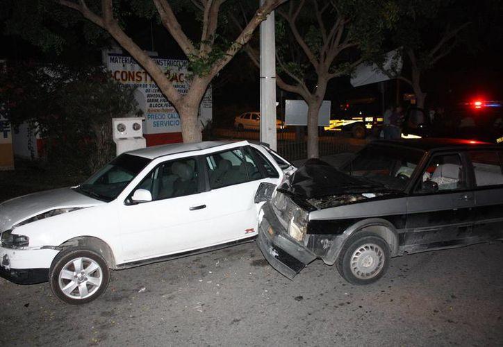 Cinco vehículos dañados fue el saldo de una carambola en Cd. Caucel. (Milenio Novedades)